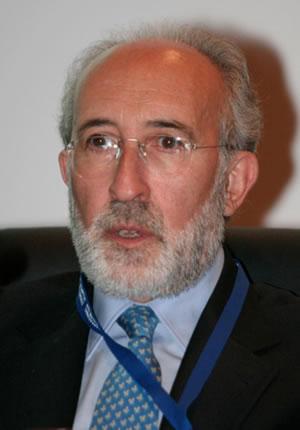 Alberto A. Herrero de la Fuente — Português